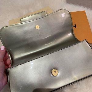 Louis Vuitton Bags - Louis Vuitton Monogram Vernis Leather Sobe Clutch